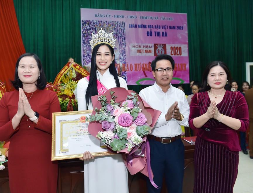 Hoa hậu Đỗ Thị Hà truyền cảm hứng cho giới trẻ ở quê nhà Thanh Hoá - ảnh 9