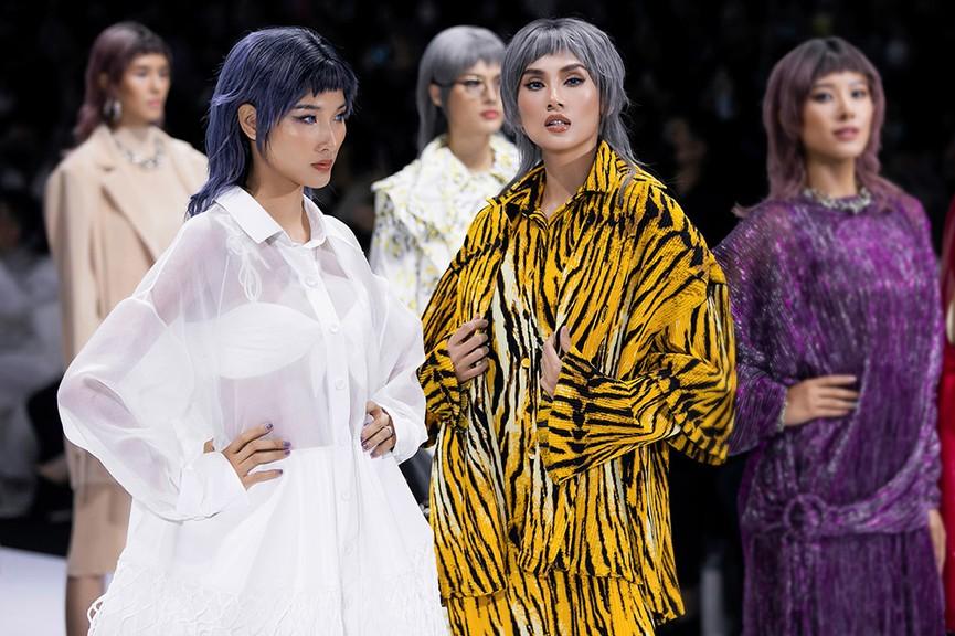 Hoa hậu Đỗ Thị Hà lần đầu diễn catwalk, thần thái sắc lạnh bên đàn chị Thanh Hằng-Tiểu Vy - ảnh 5