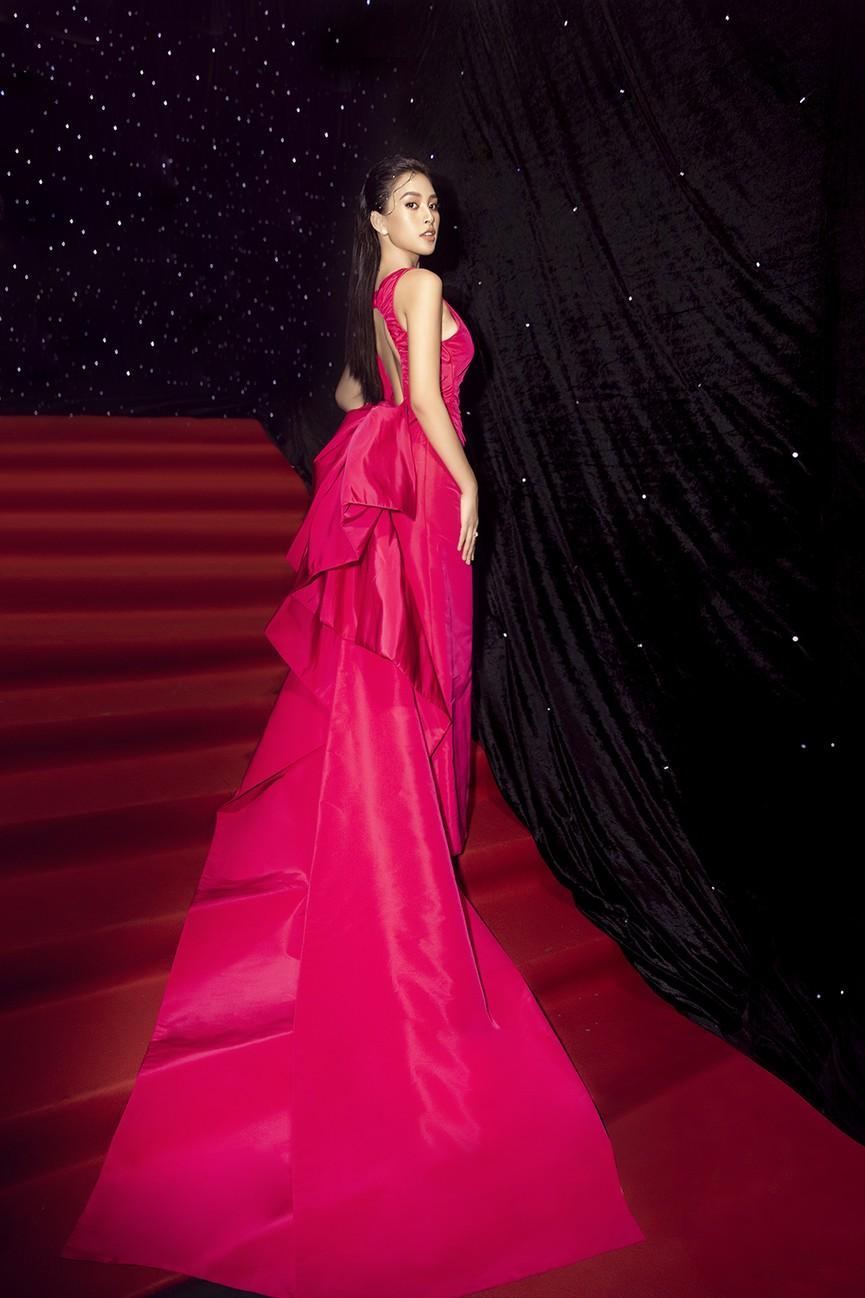 Á hậu Phương Anh lột xác, Á hậu Ngọc Thảo khoe lưng trần nóng bỏng trên thảm đỏ thời trang - ảnh 8