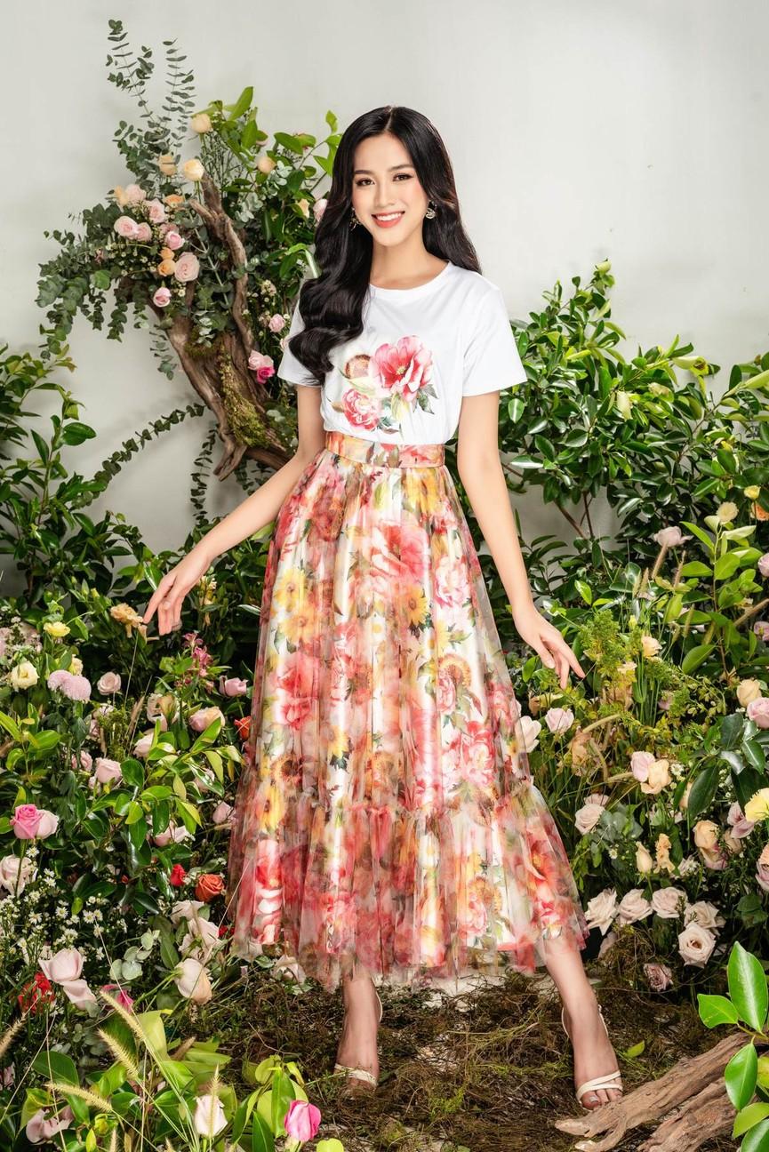 Hoa hậu Đỗ Thị Hà xinh đẹp quyến rũ, khoe đôi chân dài thẳng tắp - ảnh 11