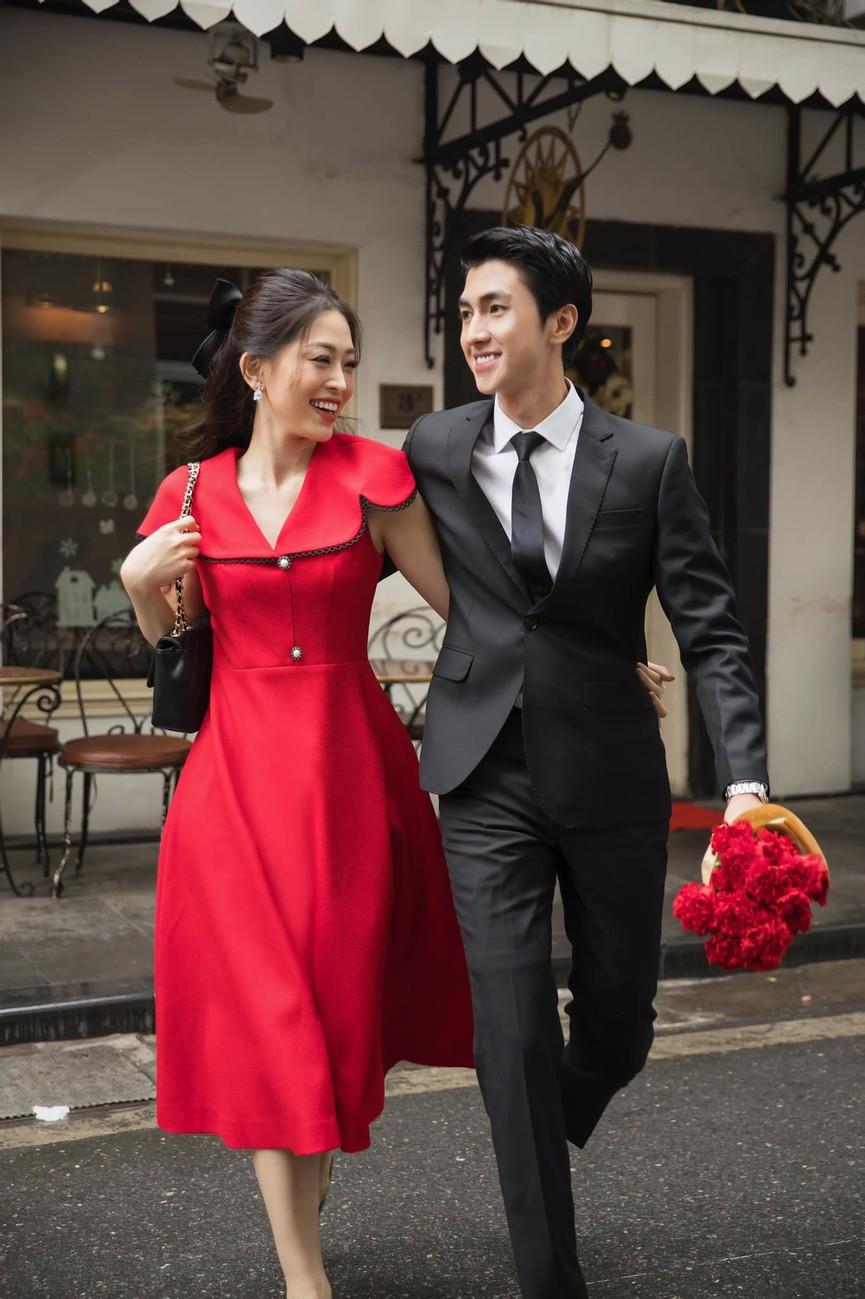 Huyền My, Diễm Hương khoe dáng 'bỏng mắt' với áo tắm ngày đầu năm mới 2021  - ảnh 7