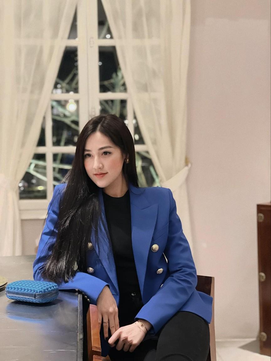 Huyền My, Diễm Hương khoe dáng 'bỏng mắt' với áo tắm ngày đầu năm mới 2021  - ảnh 14