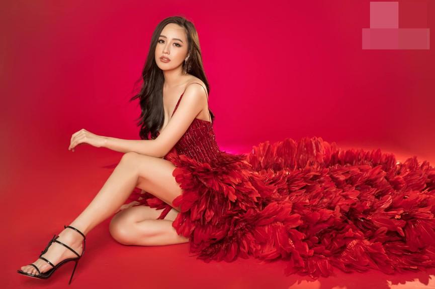 Huyền My, Diễm Hương khoe dáng 'bỏng mắt' với áo tắm ngày đầu năm mới 2021  - ảnh 6