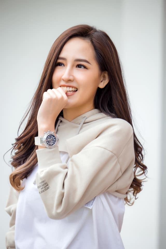 Hoa hậu Giáng My khoe khéo body gợi cảm và vẻ đẹp không tuổi những ngày đầu năm mới - ảnh 6