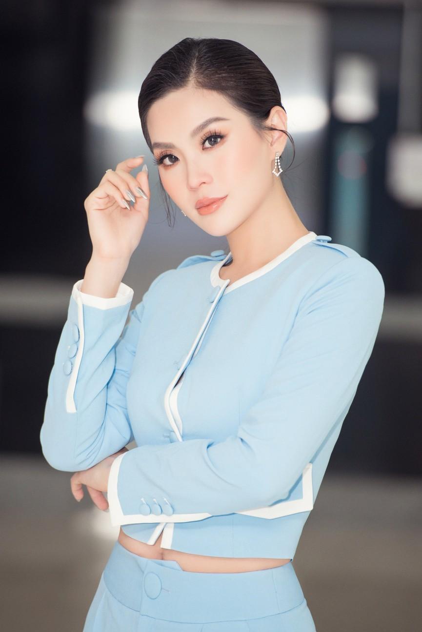 Á hậu Diễm Trang 'tái xuất' xinh đẹp sau 9 tháng mắc kẹt ở Ba Lan vì dịch COVID-19 - ảnh 4