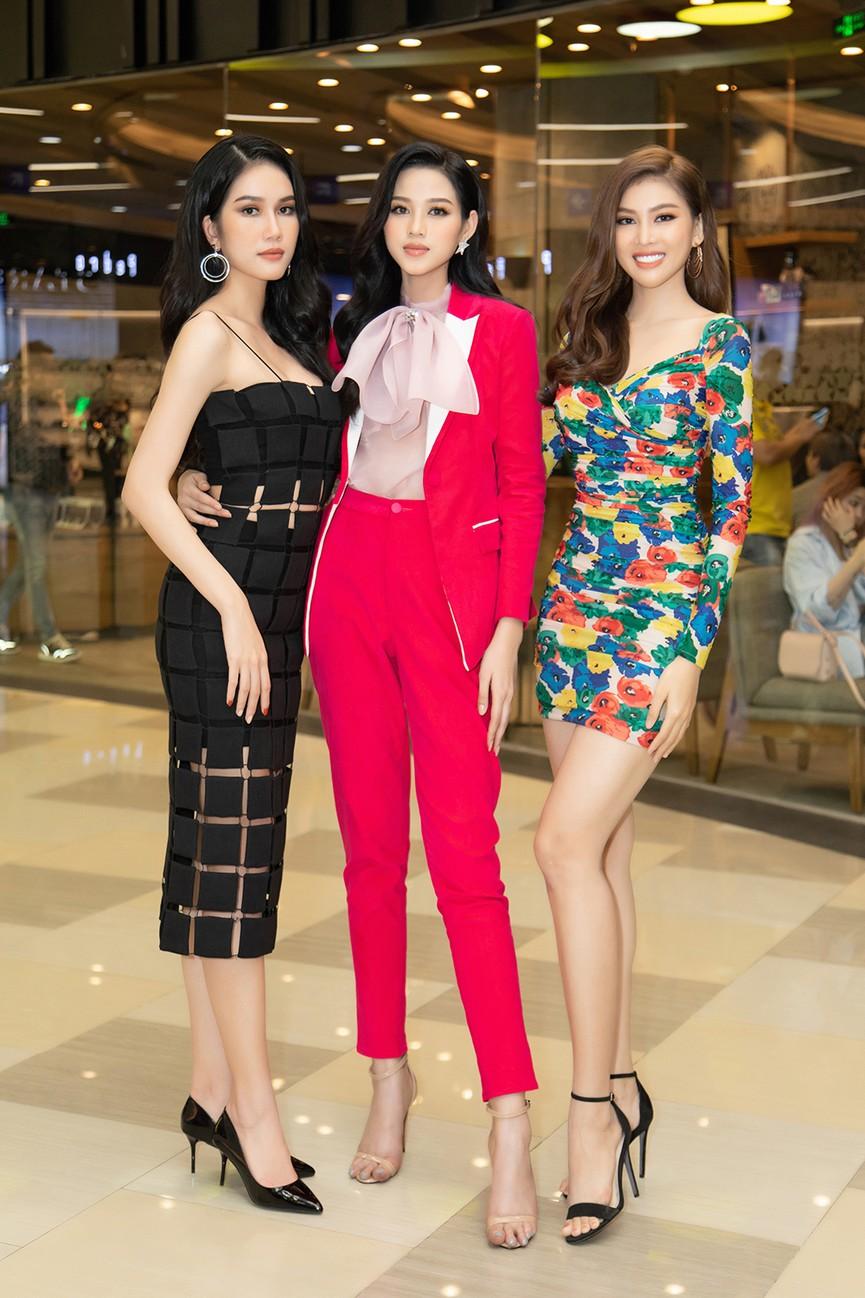 Top 3 Hoa hậu Việt Nam 2020 ngày càng 'lột xác', thần thái cuốn hút ở sự kiện - ảnh 10