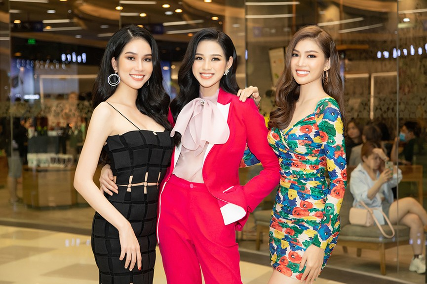 Top 3 Hoa hậu Việt Nam 2020 ngày càng 'lột xác', thần thái cuốn hút ở sự kiện - ảnh 11