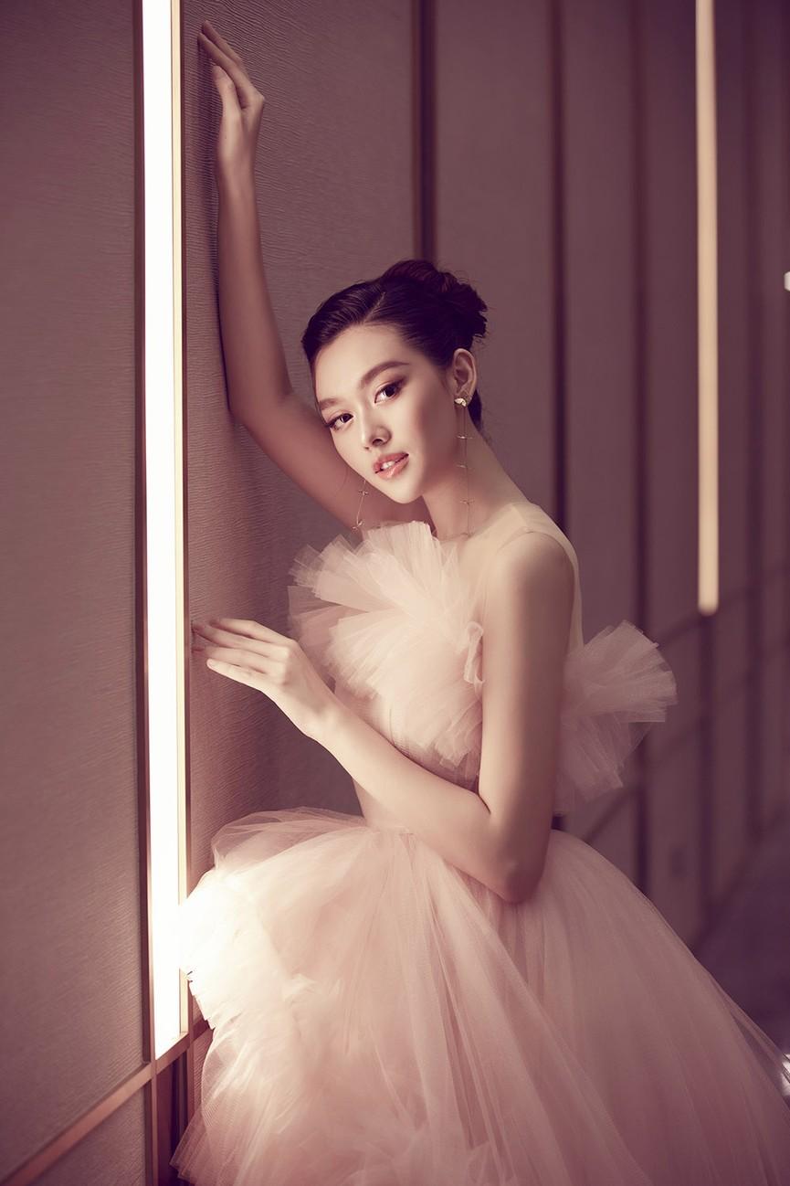 Á hậu Tường San tái xuất sau đám cưới, khoe nhan sắc trong veo 'vạn người mê' - ảnh 5
