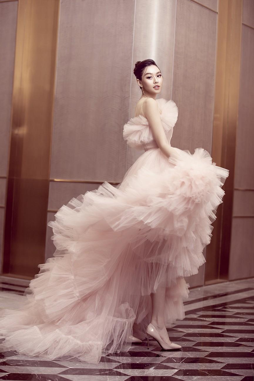 Á hậu Tường San tái xuất sau đám cưới, khoe nhan sắc trong veo 'vạn người mê' - ảnh 7