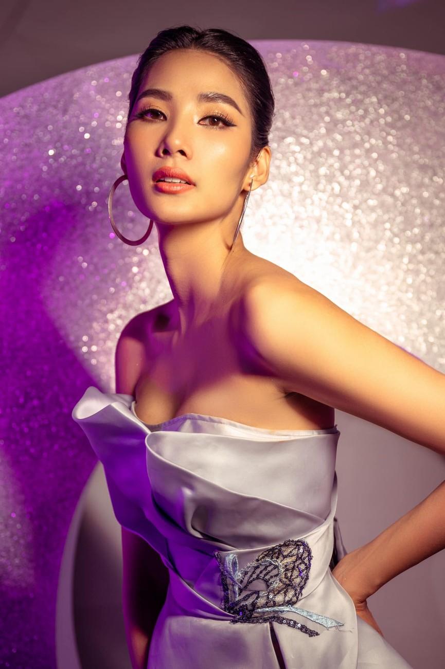 Đỗ Mỹ Linh, Lương Thuỳ Linh đọ sắc với váy áo nóng bỏng  - ảnh 15
