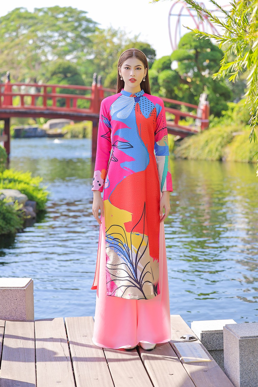 Á Hậu Phương Anh - Ngọc Thảo khoe trọn thần thái xinh đẹp, yêu kiều với áo dài Tết  - ảnh 8