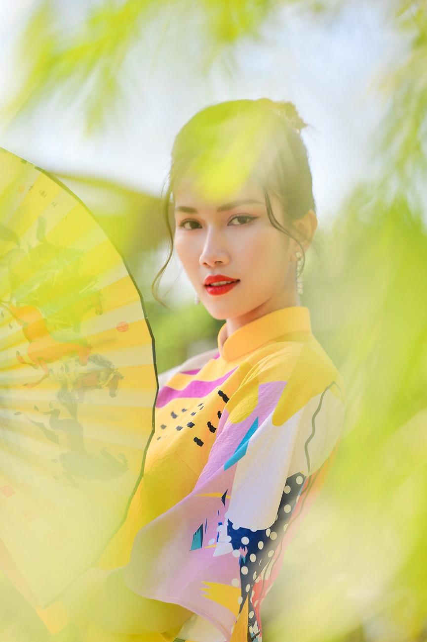 Á Hậu Phương Anh - Ngọc Thảo khoe trọn thần thái xinh đẹp, yêu kiều với áo dài Tết  - ảnh 4