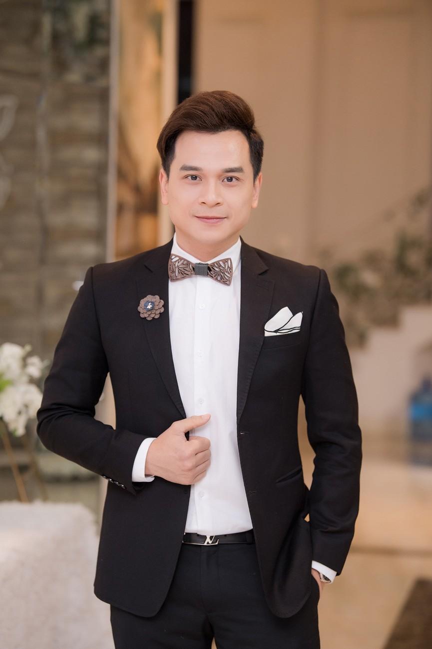 Á hậu Thụy Vân, vợ NSND Công Lý dự đám cưới của MC Thùy Linh và ông xã kém 5 tuổi - ảnh 3