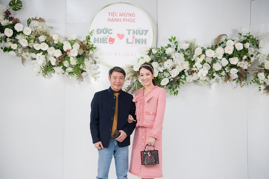 Á hậu Thụy Vân, vợ NSND Công Lý dự đám cưới của MC Thùy Linh và ông xã kém 5 tuổi - ảnh 7