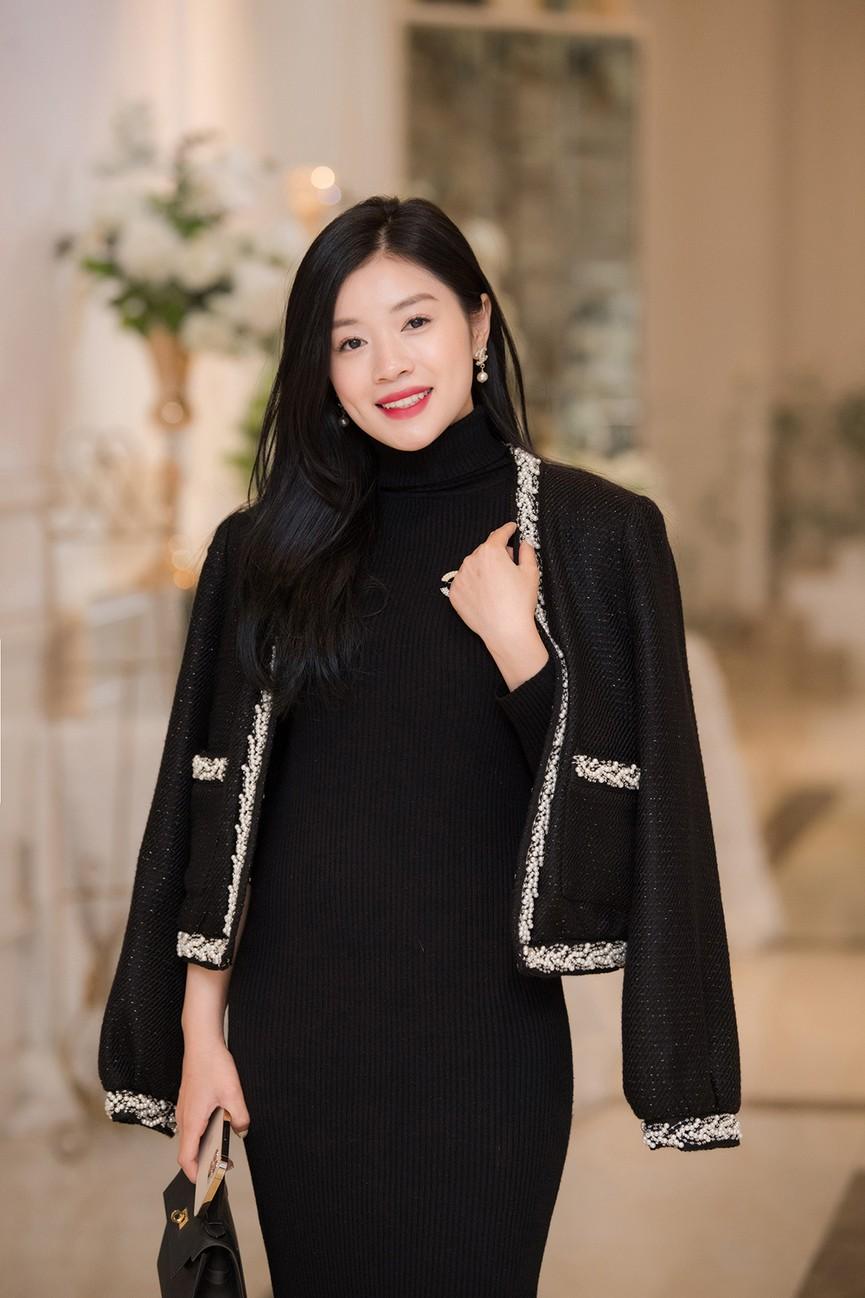 Á hậu Thụy Vân, vợ NSND Công Lý dự đám cưới của MC Thùy Linh và ông xã kém 5 tuổi - ảnh 9