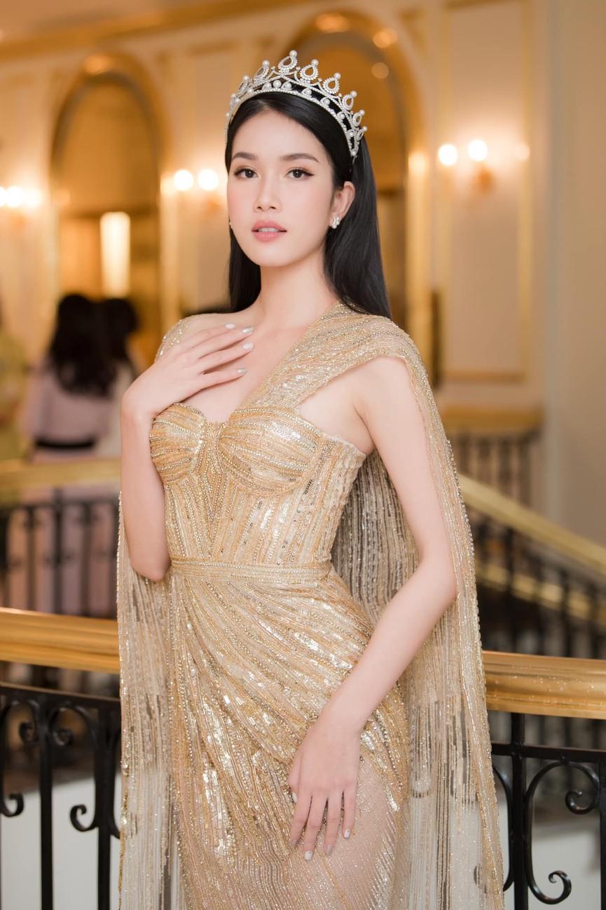 Giản dị lên giảng đường, Hoa hậu Đỗ Thị Hà vẫn được khen ngợi xinh đẹp rạng rỡ - ảnh 5