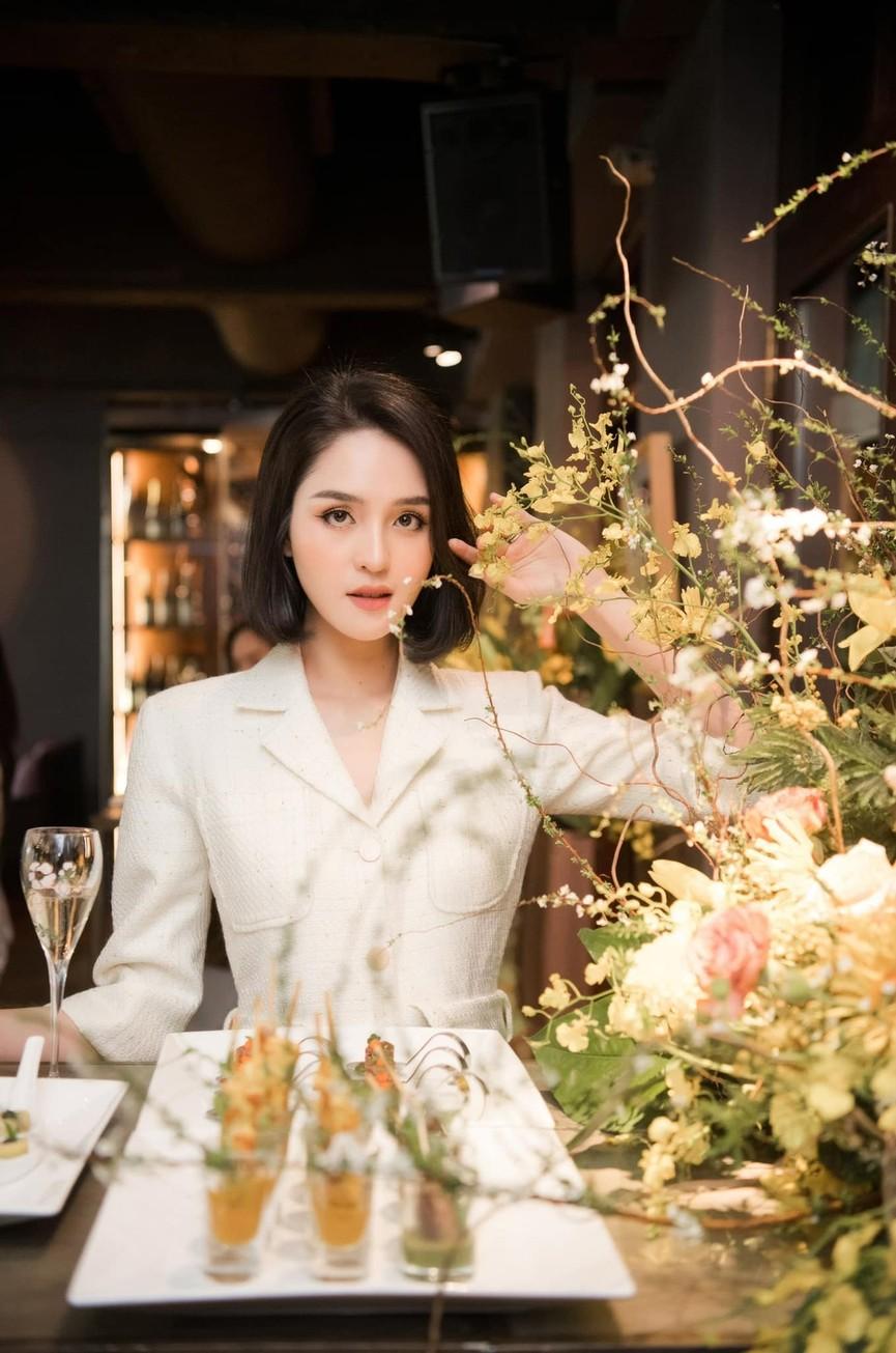 Giản dị lên giảng đường, Hoa hậu Đỗ Thị Hà vẫn được khen ngợi xinh đẹp rạng rỡ - ảnh 8
