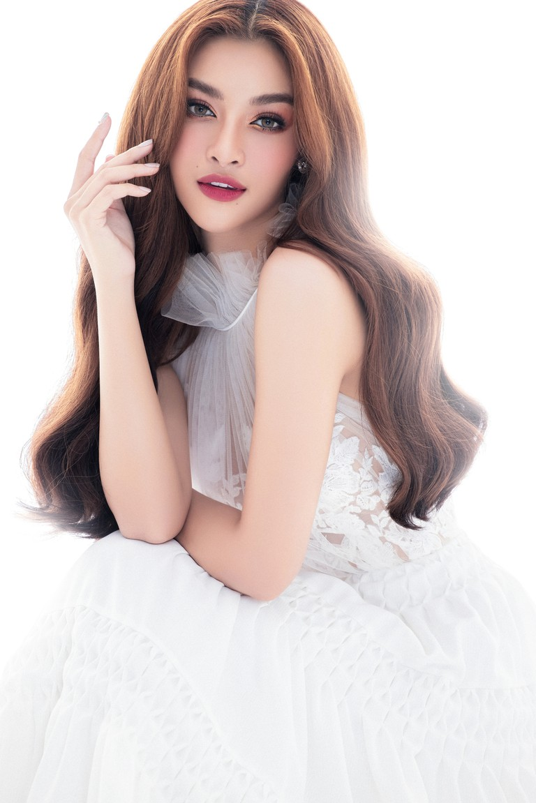 Kiều Loan thăng hoa với thần thái chuẩn Beauty Queen sau khi được đề cử 'Ngôi sao của năm' - ảnh 11