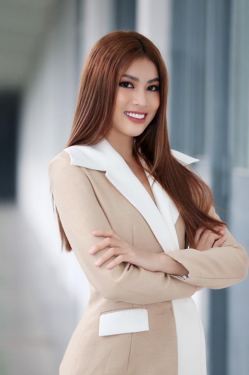 Hoa hậu Đỗ Thị Hà và Á hậu Phương Anh, Ngọc Thảo giản dị vẫn cực xinh đẹp - ảnh 9