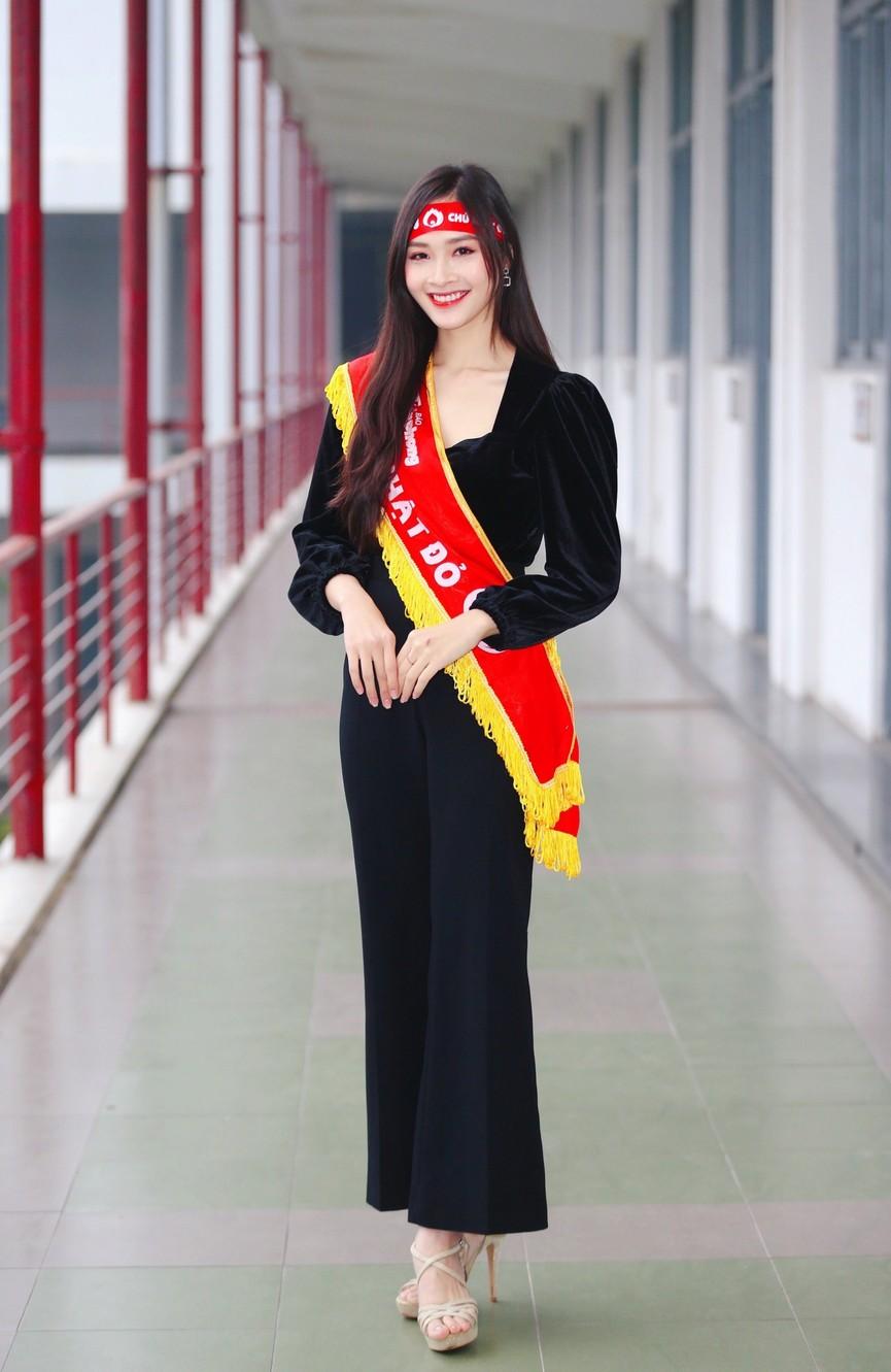 Hoa hậu Đỗ Thị Hà và Á hậu Phương Anh, Ngọc Thảo giản dị vẫn cực xinh đẹp - ảnh 13