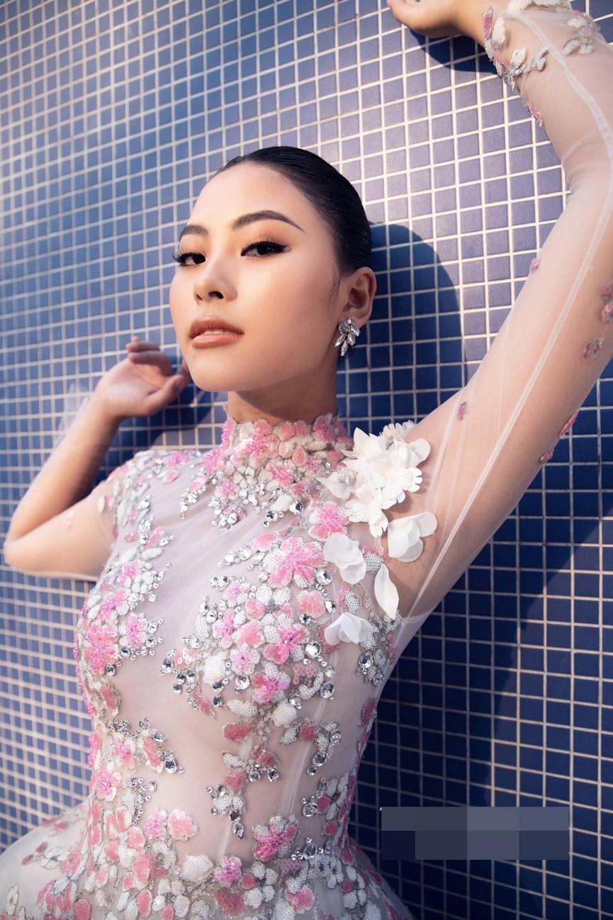 Gu thời trang 'thăng hạng' đầy nóng bỏng của Người đẹp Biển Đào Thị Hà  - ảnh 13