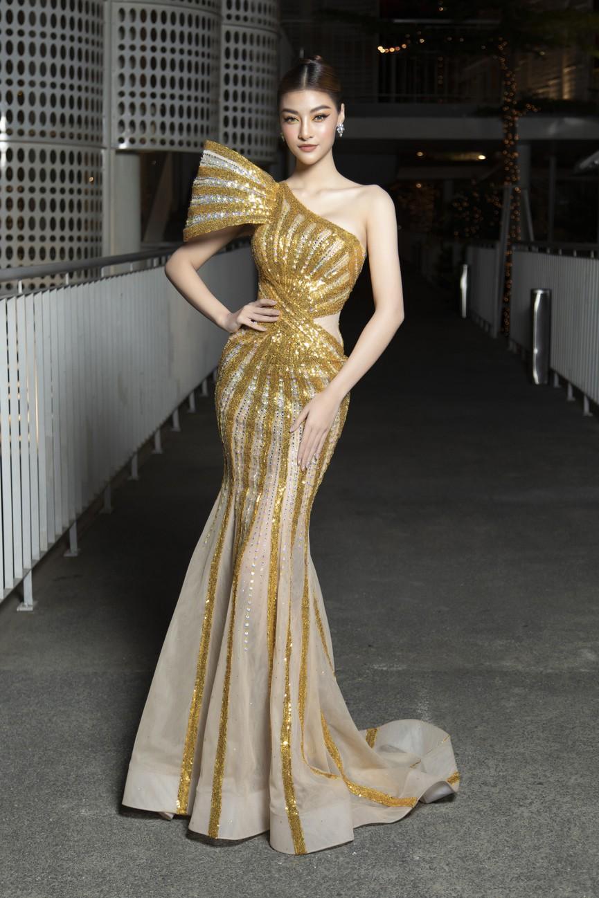 Top 3 Hoa hậu Việt Nam 2020 mặc váy cắt xẻ gợi cảm, đọ sắc Lương Thuỳ Linh-Kiều Loan - ảnh 15