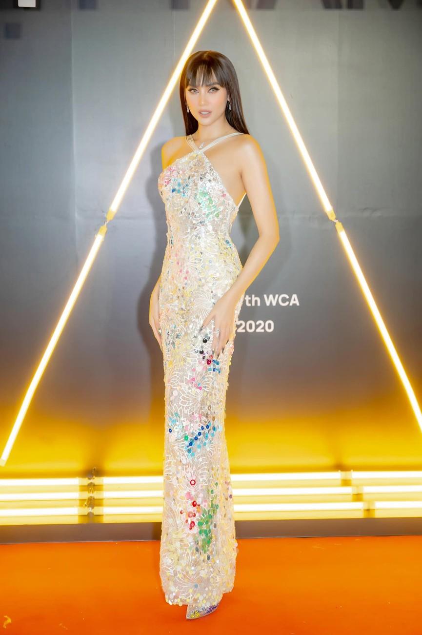 H'Hen Niê diện váy vàng rực, Khánh Vân-Võ Hoàng Yến sexy hết cỡ với váy đính đá - ảnh 8