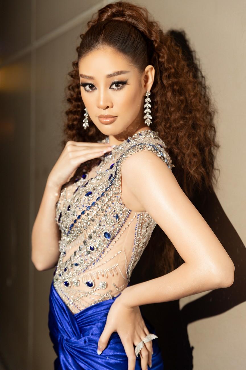 H'Hen Niê diện váy vàng rực, Khánh Vân-Võ Hoàng Yến sexy hết cỡ với váy đính đá - ảnh 6