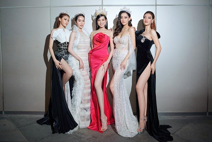 Đỗ Thị Hà, Đỗ Mỹ Linh và dàn hậu mặc váy xẻ khoe chân dài 'cực phẩm' trên thảm đỏ - ảnh 18