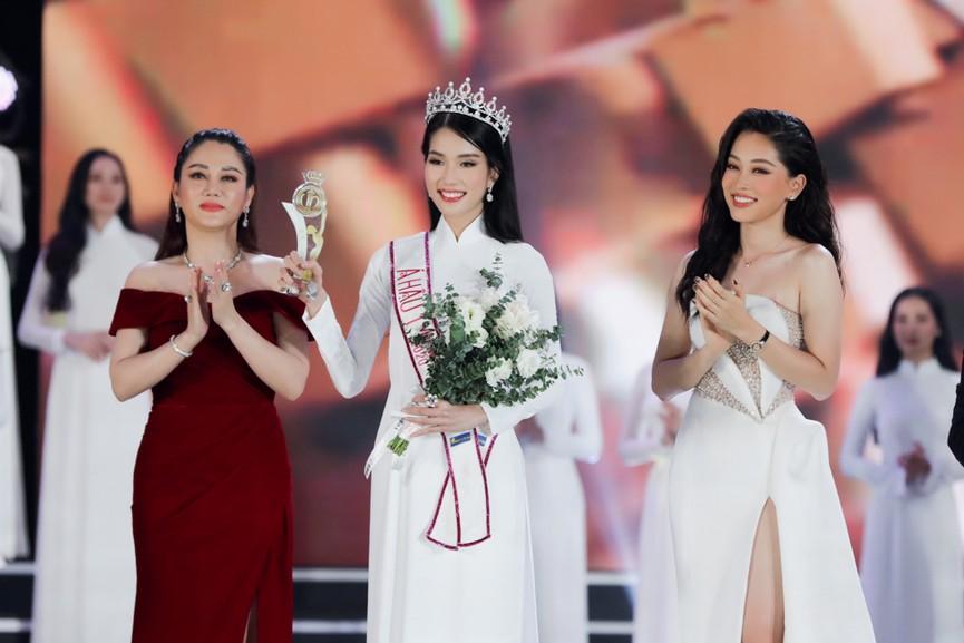 Á hậu Phương Anh được dự đoán lọt top 10 tại Hoa hậu Quốc tế 2021 - ảnh 3
