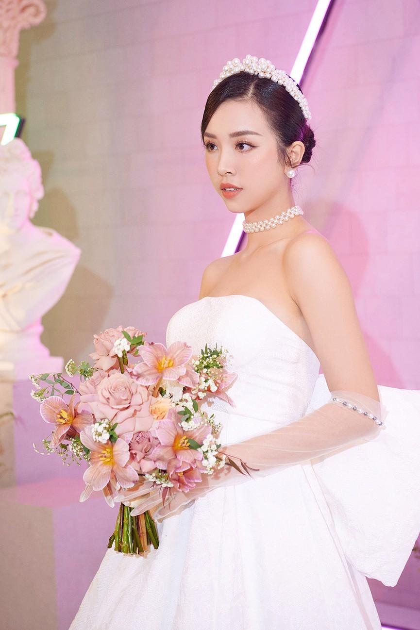 Dàn Hoa hậu, Á hậu đọ sắc vóc nóng bỏng trong đám cưới Á hậu Thuý An  - ảnh 3