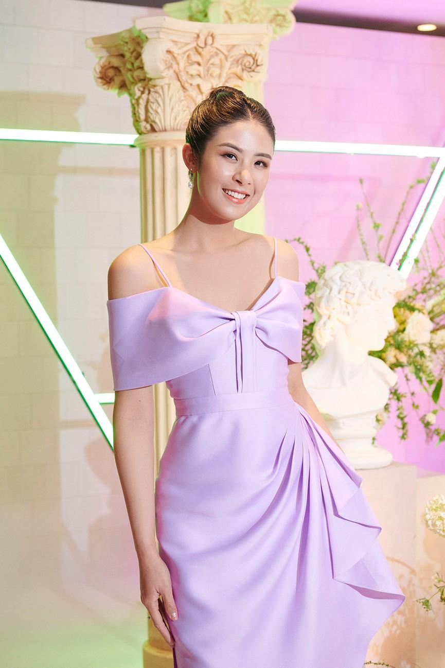 Dàn Hoa hậu, Á hậu đọ sắc vóc nóng bỏng trong đám cưới Á hậu Thuý An  - ảnh 5