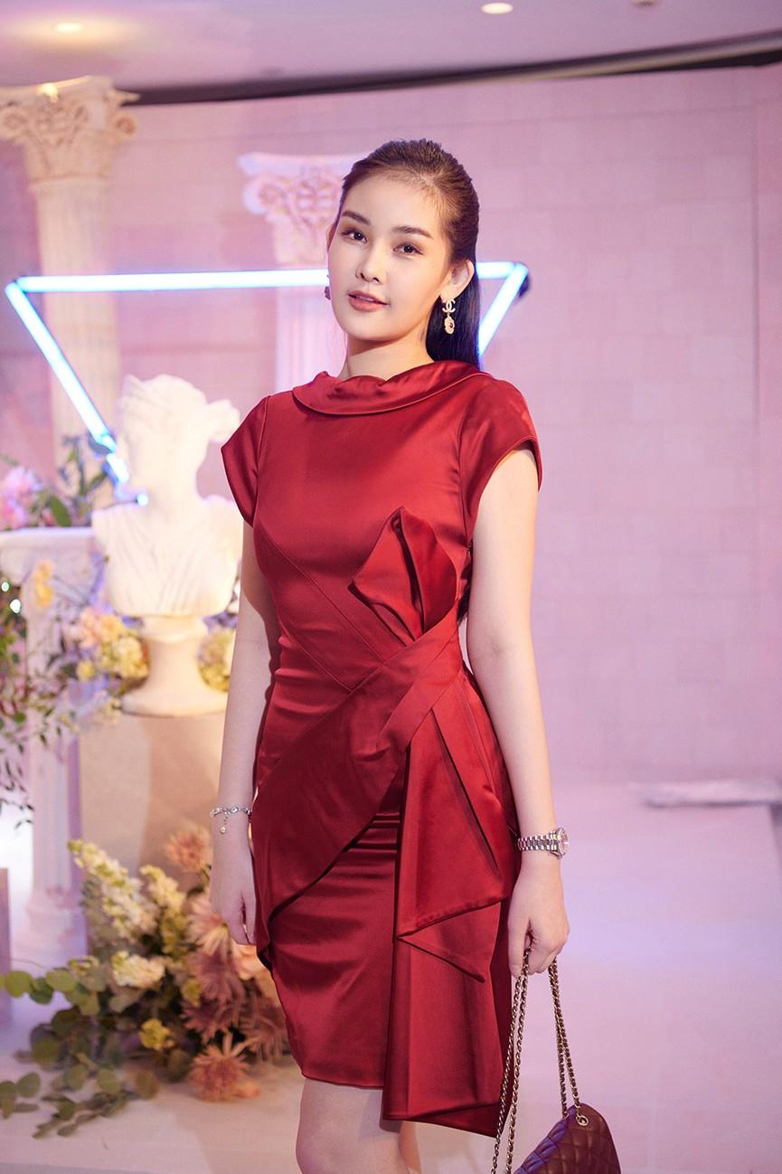 Dàn Hoa hậu, Á hậu đọ sắc vóc nóng bỏng trong đám cưới Á hậu Thuý An  - ảnh 12