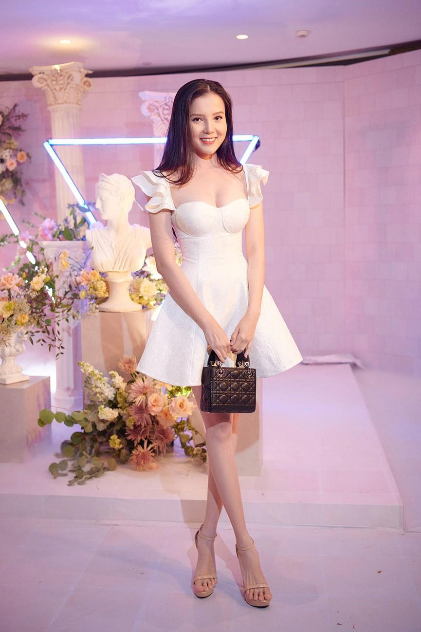 Dàn Hoa hậu, Á hậu đọ sắc vóc nóng bỏng trong đám cưới Á hậu Thuý An  - ảnh 10