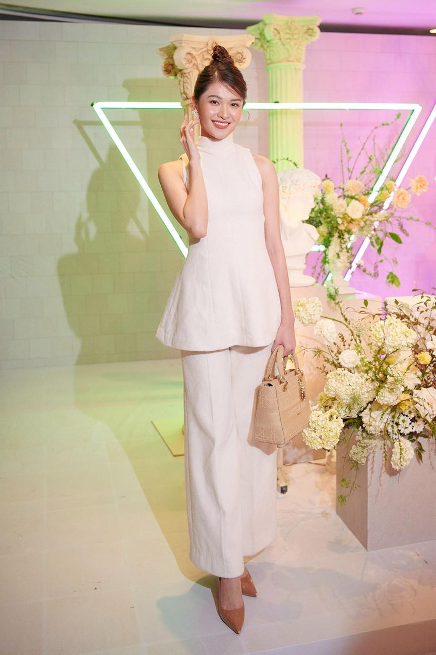 Dàn Hoa hậu, Á hậu đọ sắc vóc nóng bỏng trong đám cưới Á hậu Thuý An  - ảnh 9