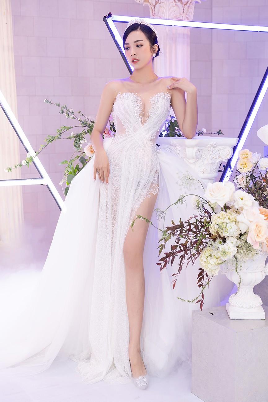 Dàn Hoa hậu, Á hậu đọ sắc vóc nóng bỏng trong đám cưới Á hậu Thuý An  - ảnh 2