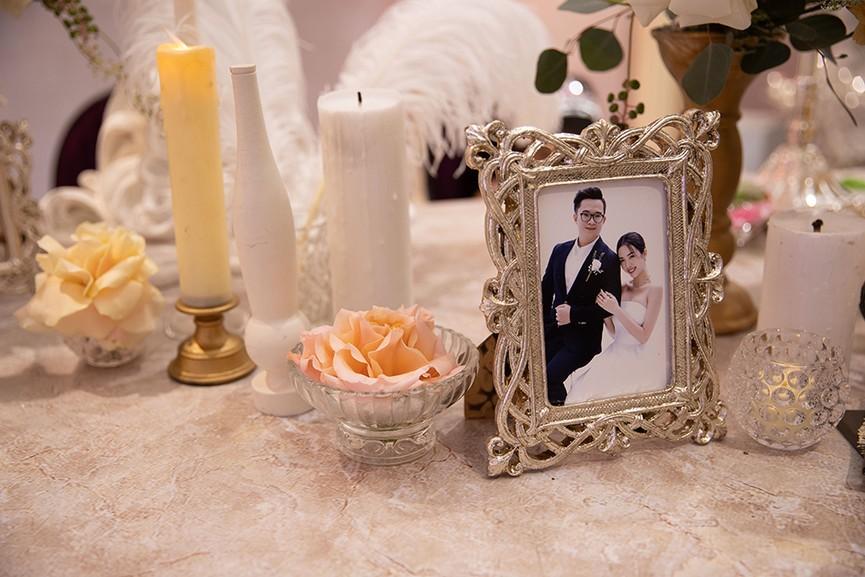 Khoảnh khắc hoa hậu Tiểu Vy bật khóc vì xúc động trong đám cưới Á hậu Thuý An gây chú ý - ảnh 4