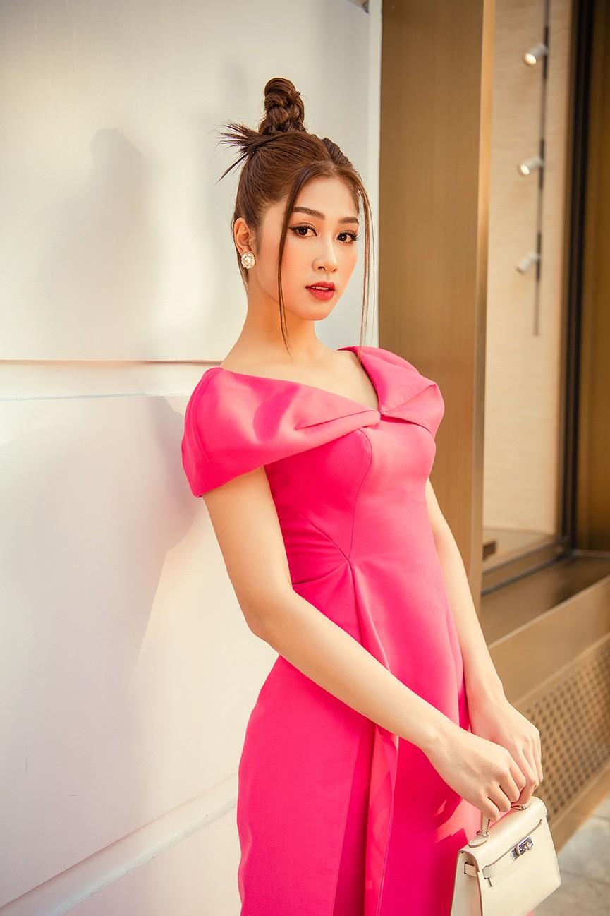 Nữ tiếp viên hàng không lọt Top 10 HHVN 2020 khoe nhan sắc rạng rỡ với áo dài Tết  - ảnh 7