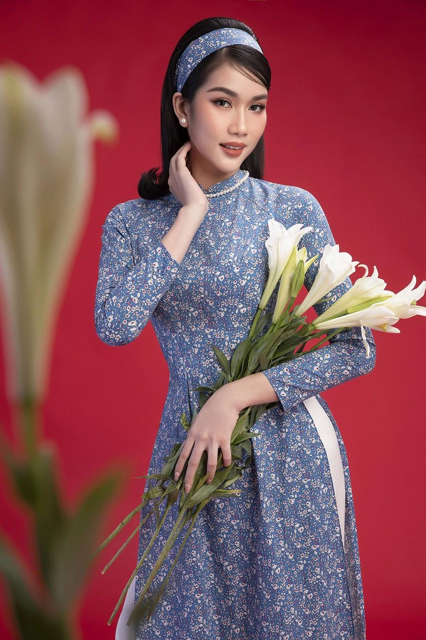 Diện áo dài Tết theo phong cách xưa, Top 3 HHVN 2020 đẹp như minh tinh thập niên 50 - ảnh 5