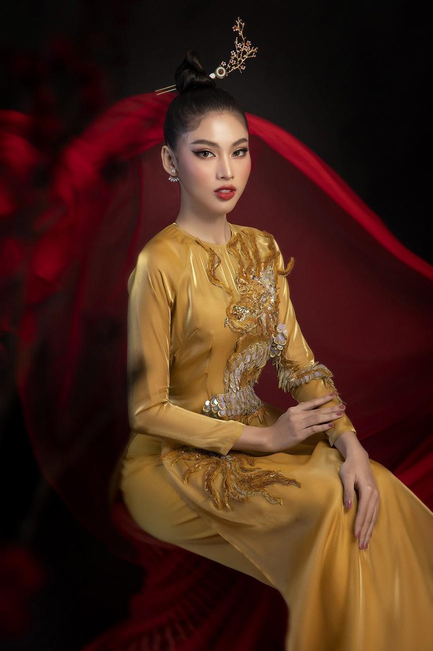 Hoa hậu Đỗ Thị Hà, Á hậu Phương Anh-Ngọc Thảo hóa 'mỹ nhân cổ trang' trong bộ ảnh Tết - ảnh 9