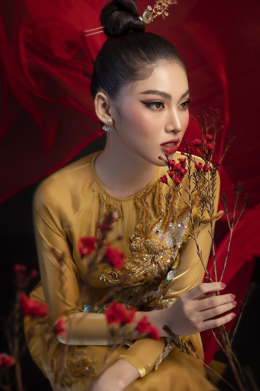 Hoa hậu Đỗ Thị Hà, Á hậu Phương Anh-Ngọc Thảo hóa 'mỹ nhân cổ trang' trong bộ ảnh Tết - ảnh 10
