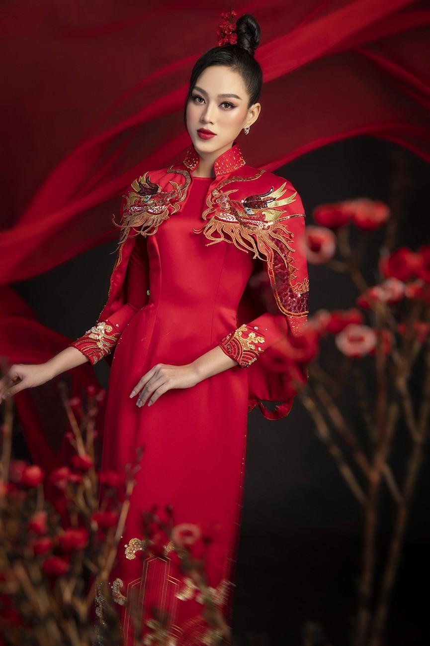 Hoa hậu Đỗ Thị Hà, Á hậu Phương Anh-Ngọc Thảo hóa 'mỹ nhân cổ trang' trong bộ ảnh Tết - ảnh 2