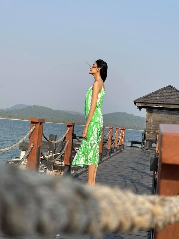 Tiểu Vy khoe body cực phẩm với bikini, Á hậu Phương Anh đẹp tựa nàng thơ  - ảnh 6