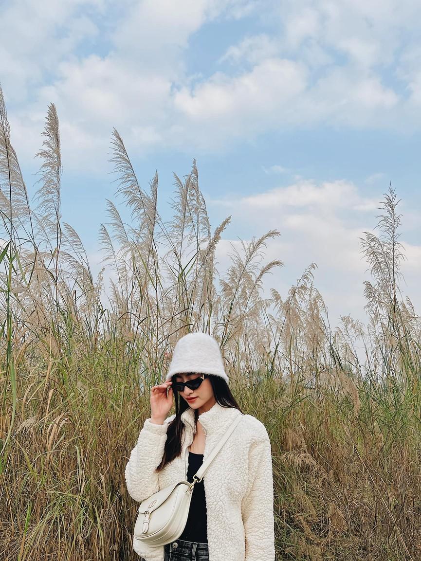 Tiểu Vy khoe body cực phẩm với bikini, Á hậu Phương Anh đẹp tựa nàng thơ  - ảnh 8
