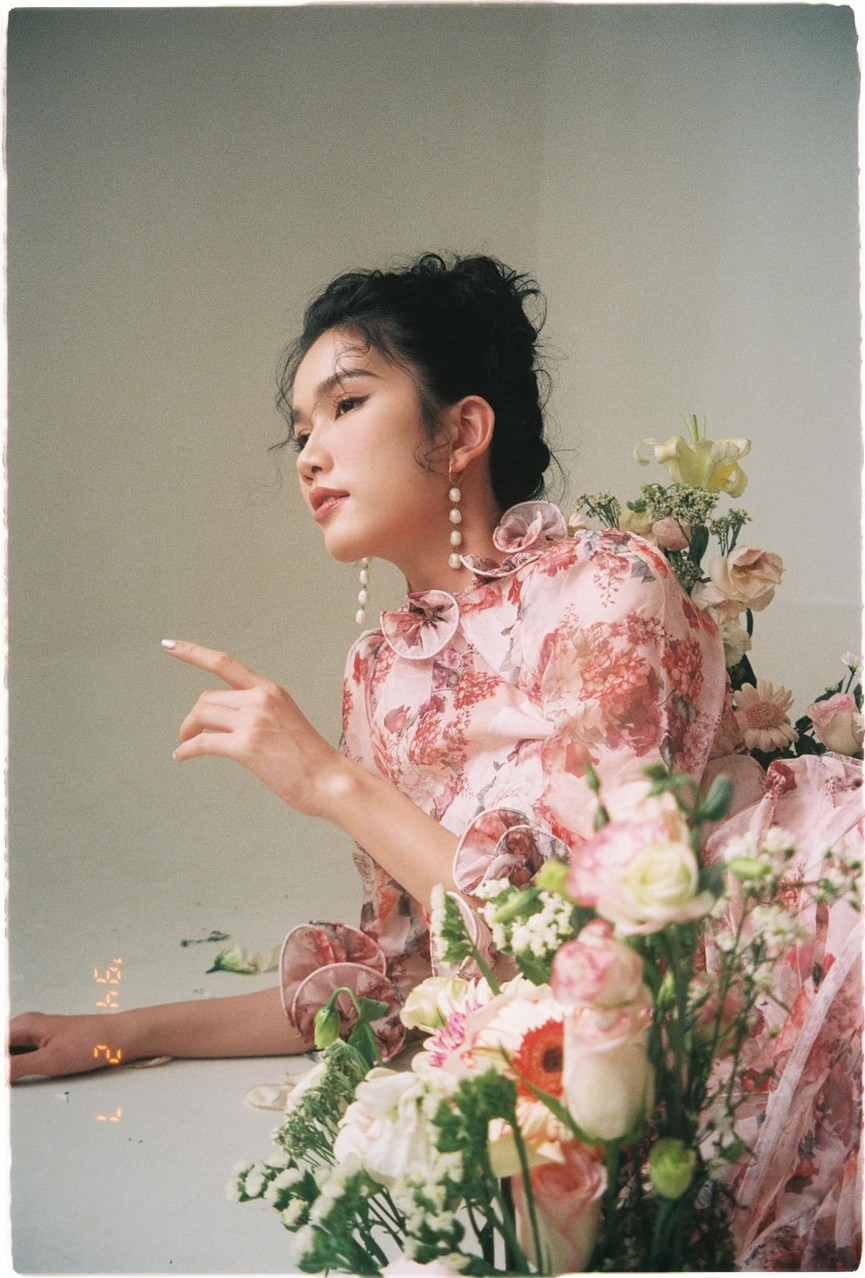Tiểu Vy khoe body cực phẩm với bikini, Á hậu Phương Anh đẹp tựa nàng thơ  - ảnh 4