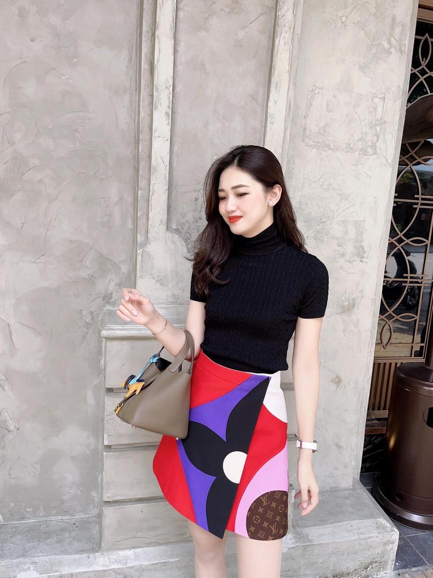Á hậu Phương Anh đẹp tựa nàng thơ, Ngọc Thảo lên đồ sang chảnh uống cafe trong khu cách ly - ảnh 19