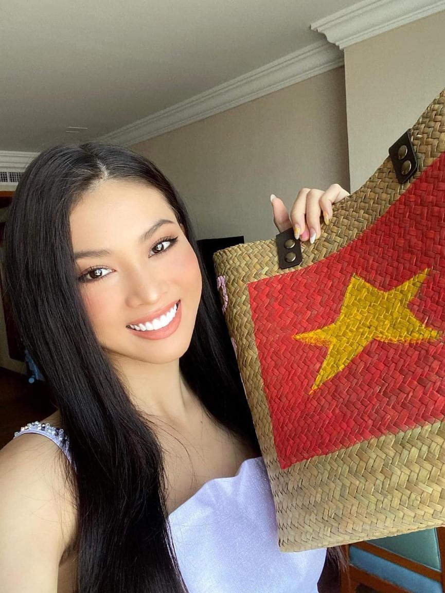 Lương Thuỳ Linh mặc áo crop-top lạ mắt sexy, Ngọc Thảo xinh đẹp rạng rỡ ở khu cách ly - ảnh 4