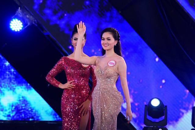 Hai người đẹp hiếm hoi giành giải 'Mặc trang phục dạ hội đẹp nhất' tại Hoa hậu Việt Nam - ảnh 5