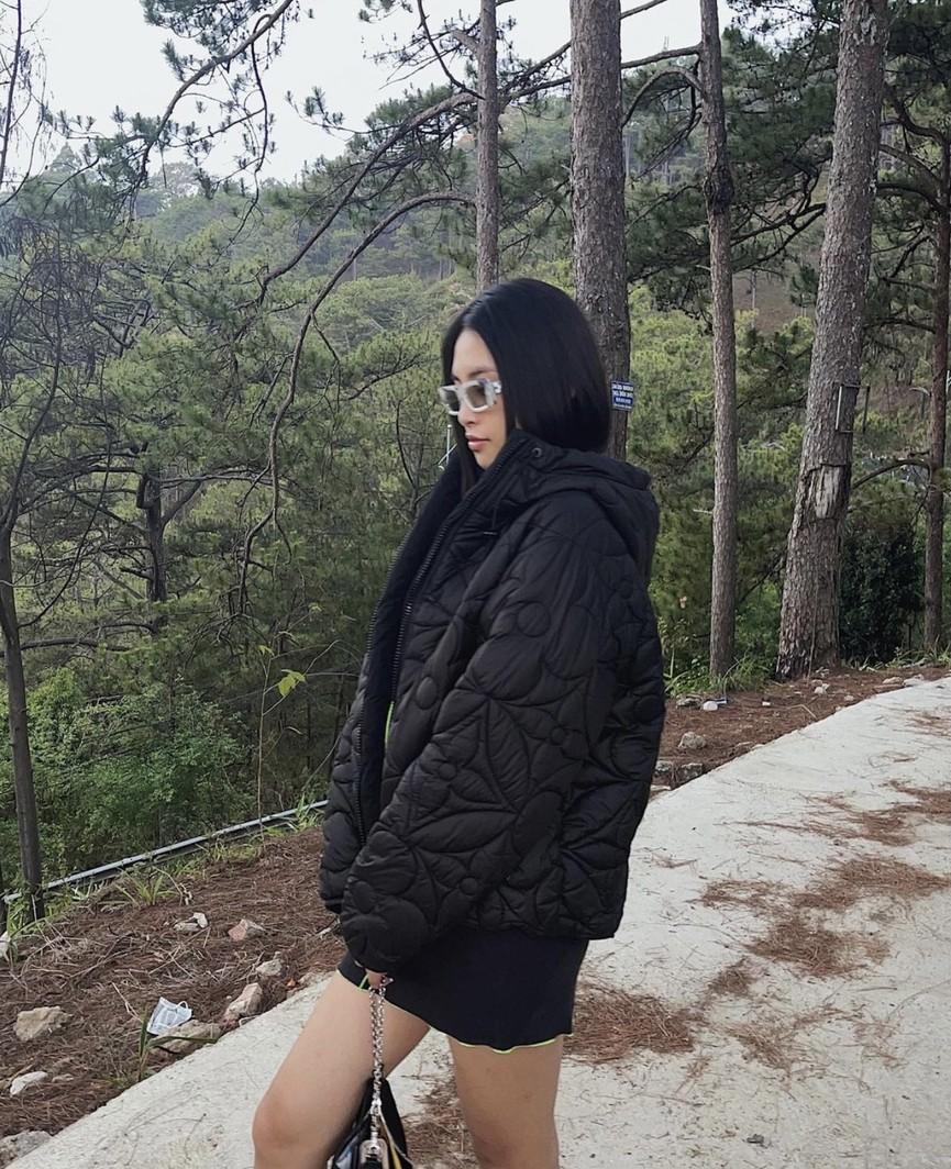 Á hậu Phương Anh diện váy trễ vai gợi cảm, H'Hen Niê mặc đầm xuyên thấu nóng bỏng - ảnh 6