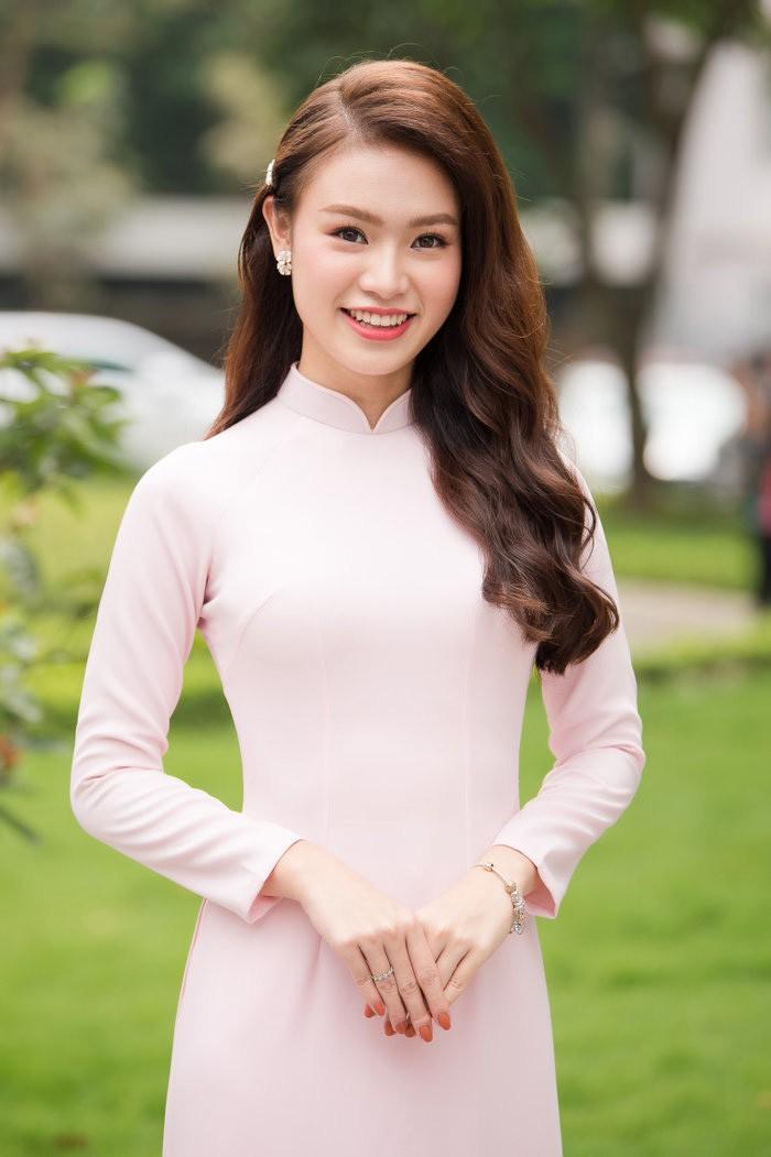 Người đẹp có học vấn 'khủng' nhất Hoa hậu Việt Nam 2016 thay đổi ra sao sau 5 năm? - ảnh 18